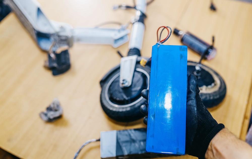 Faire réparer sa trottinette électrique chez un professionnel